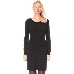 Sukienka w kolorze czarnym. Sukienki małe czarne William de Faye, na imprezę, z kaszmiru, z okrągłym kołnierzem. W wyprzedaży za 136,95 zł.