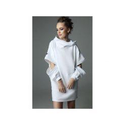 Sukienka Holey Freak - biała. Białe sukienki dzianinowe marki Madnezz, s, z aplikacjami, z kapturem. Za 289,00 zł.