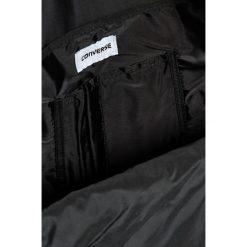 Converse - Plecak. Czarne plecaki męskie marki Converse, w paski, z poliesteru. Za 119,90 zł.