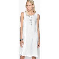 Sukienki hiszpanki: Plisowana sukienka bez rękawów