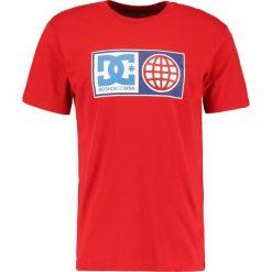 T-shirty męskie z nadrukiem: DC Shoes GLOBAL SALUTE Tshirt z nadrukiem tango red