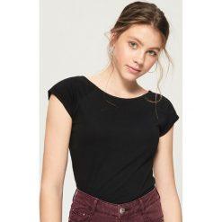 T-shirt basic - Czarny. Czarne t-shirty damskie Sinsay, m. Za 9,99 zł.