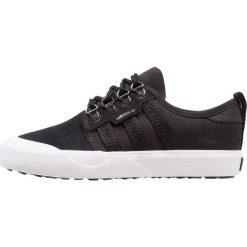 Adidas Originals SEELEY OUTDOOR Tenisówki i Trampki core black/footwear white. Czarne tenisówki damskie marki adidas Originals, z materiału. W wyprzedaży za 230,30 zł.