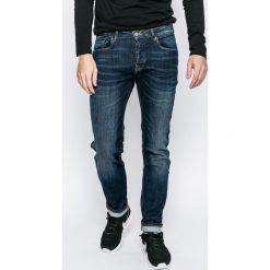 Review - Jeansy Simon. Niebieskie jeansy męskie slim Review, z aplikacjami, z bawełny. Za 219,90 zł.