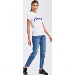 """Dżinsy """"Gwen"""" - Loose fit - w kolorze niebieskim. Niebieskie spodnie z wysokim stanem marki Cross Jeans, z aplikacjami. W wyprzedaży za 113,95 zł."""