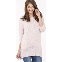 Swetry klasyczne damskie: Pastelowy sweter z połyskiem