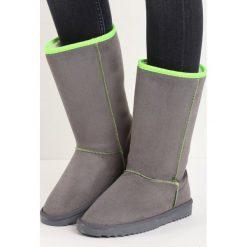 Szare Śniegowce Doxology. Szare buty zimowe damskie Born2be, przed kolano, na wysokim obcasie. Za 59,99 zł.