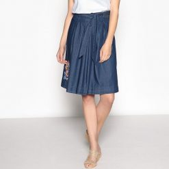 Minispódniczki: Rozszerzana spódnica z miękkiego dżinsu z haftem