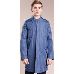 PS by Paul Smith MENS MAC Krótki płaszcz blue. Niebieskie prochowce męskie PS by Paul Smith, l, z materiału. W wyprzedaży za 555,60 zł.