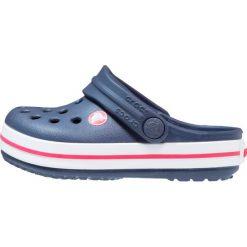 Crocs CROCBAND  Sandały kąpielowe navy/red. Niebieskie sandały chłopięce marki Crocs, z gumy. Za 129,00 zł.