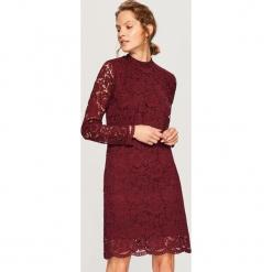 Koronkowa sukienka - Bordowy. Białe sukienki koronkowe marki Reserved, l. Za 119,99 zł.