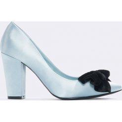 Czółenka: NA-KD Shoes Satynowe czółenka z kokardą - Blue