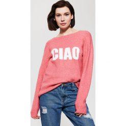Swetry klasyczne damskie: Sweter z napisem – Pomarańczo