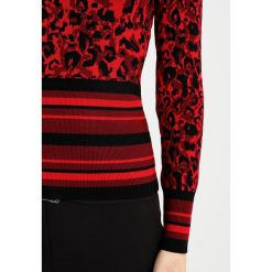 Swetry klasyczne damskie: Karen Millen Sweter red