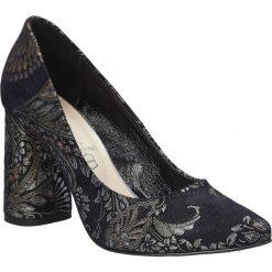 Granatowe czółenka skórzane na szerokim ozdobnym obcasie Casu 1609/580. Czerwone buty ślubne damskie marki Casu, na słupku. Za 228,99 zł.