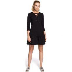 ARIANA Sukienka ze sznurkiem - czarna. Czarne sukienki na komunię Moe, na co dzień, z bawełny, dopasowane. Za 136,99 zł.