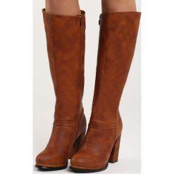 Camelowe Kozaki Dorm. Brązowe buty zimowe damskie marki Born2be, na wysokim obcasie, na platformie. Za 89,99 zł.