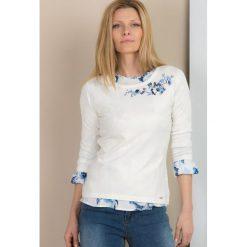 Swetry klasyczne damskie: Sweter z wyszywanymi kwiatami