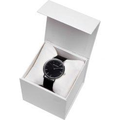 ZEGAREK MĘSKI Z CZARNĄ TARCZĄ W PUDEŁKU PREZENTOWYM. Czarne zegarki męskie Top Secret. Za 79,99 zł.