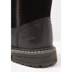 Kickers CHOUPINOU WPF Śniegowce noir. Niebieskie buty zimowe damskie marki Kickers, z kauczuku, na sznurówki. W wyprzedaży za 367,20 zł.