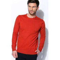 Pomarańczowy Sweter Wild Card. Brązowe swetry klasyczne męskie Born2be, l, z okrągłym kołnierzem. Za 34,99 zł.
