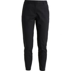 Chinosy damskie: ONLY ONLROCCA ANTIFIT ANKLE PANT  Chinosy black