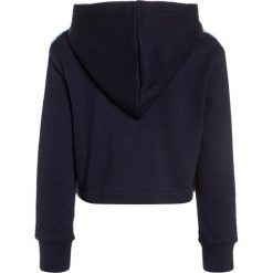 Bench CROP HOODY Bluza z kapturem maritime blue. Szare bluzy dziewczęce rozpinane marki Bench, z bawełny, z kapturem. W wyprzedaży za 170,10 zł.