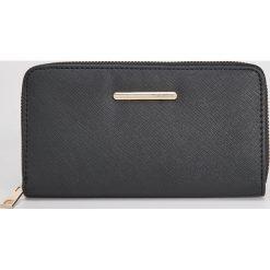 Duży portfel - Czarny. Czarne portfele damskie Sinsay. Za 29,99 zł.