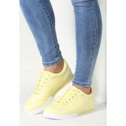 Żółte Buty Sportowe Turning Away. Żółte buty sportowe damskie marki Kazar, ze skóry, na wysokim obcasie, na obcasie. Za 64,99 zł.