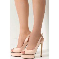 Różowe Sandały Resume. Czerwone sandały damskie marki vices, na wysokim obcasie. Za 59,99 zł.