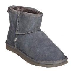 Skórzane botki w kolorze szarym. Szare buty zimowe damskie Carla Samuel, na zimę. W wyprzedaży za 179,95 zł.