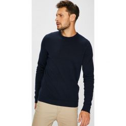 Jack & Jones - Sweter. Czarne swetry klasyczne męskie Jack & Jones, m, z bawełny, z okrągłym kołnierzem. W wyprzedaży za 69,90 zł.