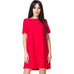 Czerwona Sukienka o Kształcie litery A. Czerwone sukienki koktajlowe marki Molly.pl, na co dzień, l, w jednolite wzory, z tkaniny, z dekoltem w łódkę, z krótkim rękawem, mini, oversize. Za 159,00 zł.