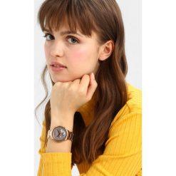 Armani Exchange Zegarek chronograficzny roségoldcoloured. Czerwone zegarki damskie Armani Exchange. Za 1049,00 zł.