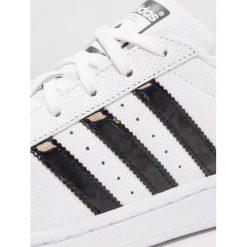 Adidas Originals SUPERSTAR J Tenisówki i Trampki footwear white/core black. Białe tenisówki męskie marki adidas Originals, z materiału. Za 279,00 zł.