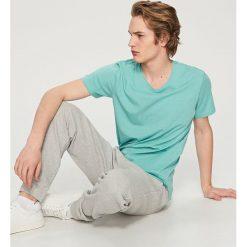 T-shirty męskie: T-shirt z dekoltem v-neck – Turkusowy