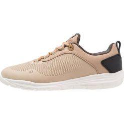 Jack Wolfskin SEVEN WONDERS LOW Obuwie hikingowe sandstone. Białe buty sportowe damskie marki Nike Performance, z materiału, na golfa. Za 509,00 zł.