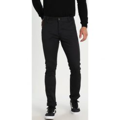Chinosy męskie: DOCKERS WASHED SKINNY Chinosy black