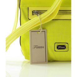 Listonoszka z delikatnym ażurem limonka. Żółte listonoszki damskie FURRINI, w ażurowe wzory, z nubiku. Za 101,50 zł.