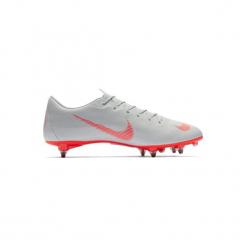 Buty do piłki nożnej Vapor Academy SG korki. Szare buty skate męskie marki Nike, do piłki nożnej. Za 329,99 zł.