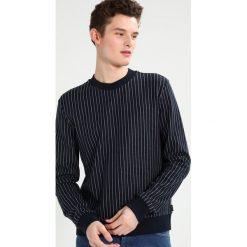 Calvin Klein KALI PINTSTRIPE Sweter blue. Pomarańczowe kardigany męskie marki Calvin Klein, l, z bawełny, z okrągłym kołnierzem. W wyprzedaży za 384,30 zł.