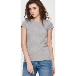 Gładki T-shirt - Jasny szar. Białe t-shirty damskie marki Sinsay, l, z napisami. Za 19,99 zł.