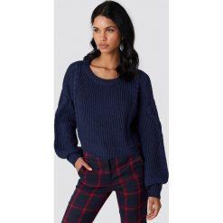 NA-KD Krótki sweter ze ściegiem warkoczowym - Blue. Niebieskie swetry klasyczne damskie NA-KD. Za 141,95 zł.