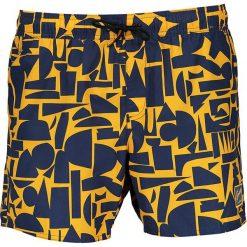 Szorty kąpielowe w kolorze granatowo-żółtym. Niebieskie kąpielówki męskie marki Speedo, klasyczne. W wyprzedaży za 108,95 zł.