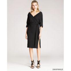 Sukienki: Sukienka kopertowa z eleganckiej dzianiny czarna