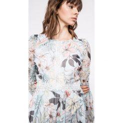 Morgan - Sukienka. Niebieskie długie sukienki marki DOMYOS, z elastanu, street, z okrągłym kołnierzem. W wyprzedaży za 259,90 zł.