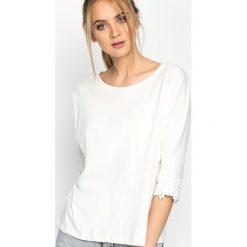 Kremowa Bluzka To Revive. Białe bluzki na imprezę Born2be, l. Za 39,99 zł.