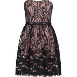 Laona Sukienka koktajlowa jet black/nude. Czarne sukienki koktajlowe marki Laona, z materiału. W wyprzedaży za 479,20 zł.