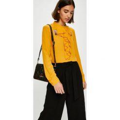 Silvian Heach - Bluzka. Pomarańczowe bluzki z odkrytymi ramionami marki Silvian Heach, l, z aplikacjami, z dzianiny, klasyczne, z włoskim kołnierzykiem. W wyprzedaży za 329,90 zł.