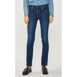 Levi's - Jeansy. Brązowe jeansy damskie rurki Levi's®. Za 369,90 zł.